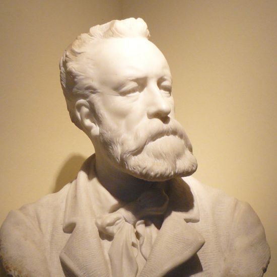 Statue at Jules Verne Museum